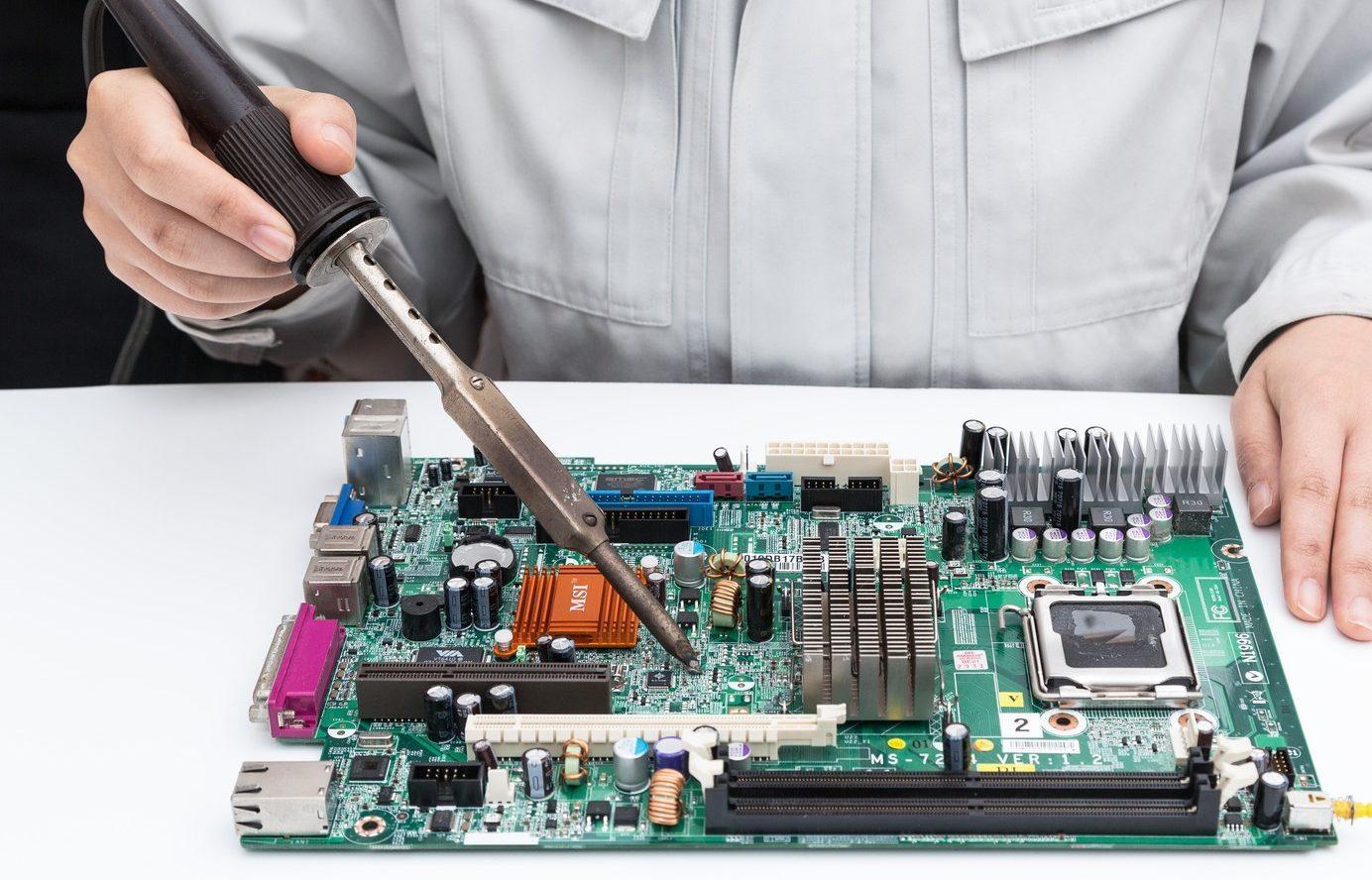 故障したPCを修理に出す